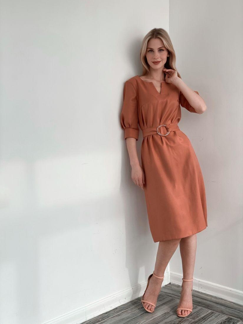 s3863 Платье с крупными кольцами на поясе в тёплом розовом цвете