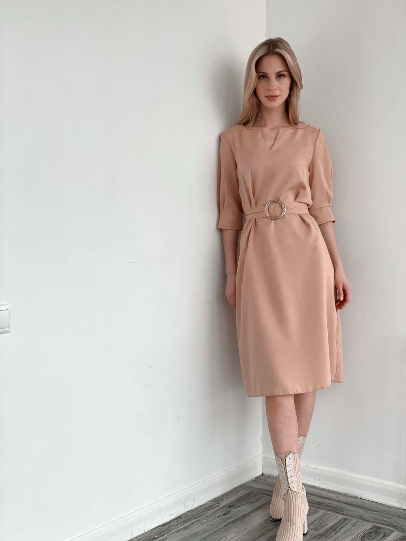 3895 Платье с поясом на кольцах бежевое