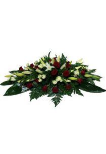 Фото - Ритуальная композиция из живых цветов на могилу/гроб Элит №7