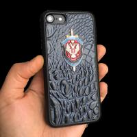 Кожаный чехол-накладка с эмблемой ФСБ на iPhone