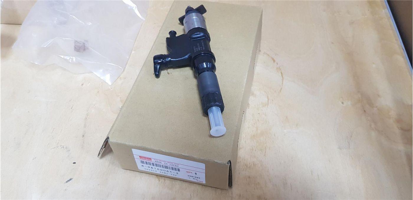 Форсунка топливная ISUZU NPR75 FVR34 двигатель 6HK1 4HK1 ЕВРО-4