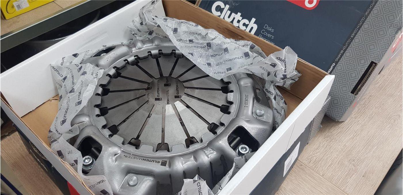 Корзина сцепления  ISUZU FSR90 двигатель 4HK1
