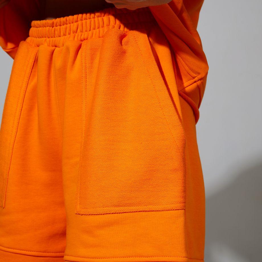 Трикотажные шорты в оранжевом цвете