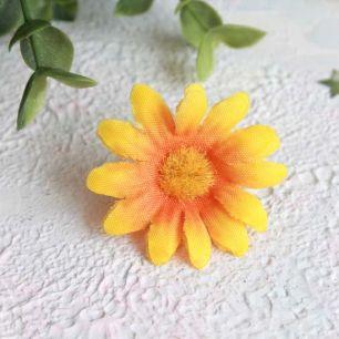 "Цветок ""Ромашка"" 4 см., желто-оранжевая"