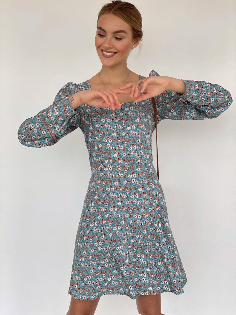 4205 Платье с вырезом каре голубое с цветочками
