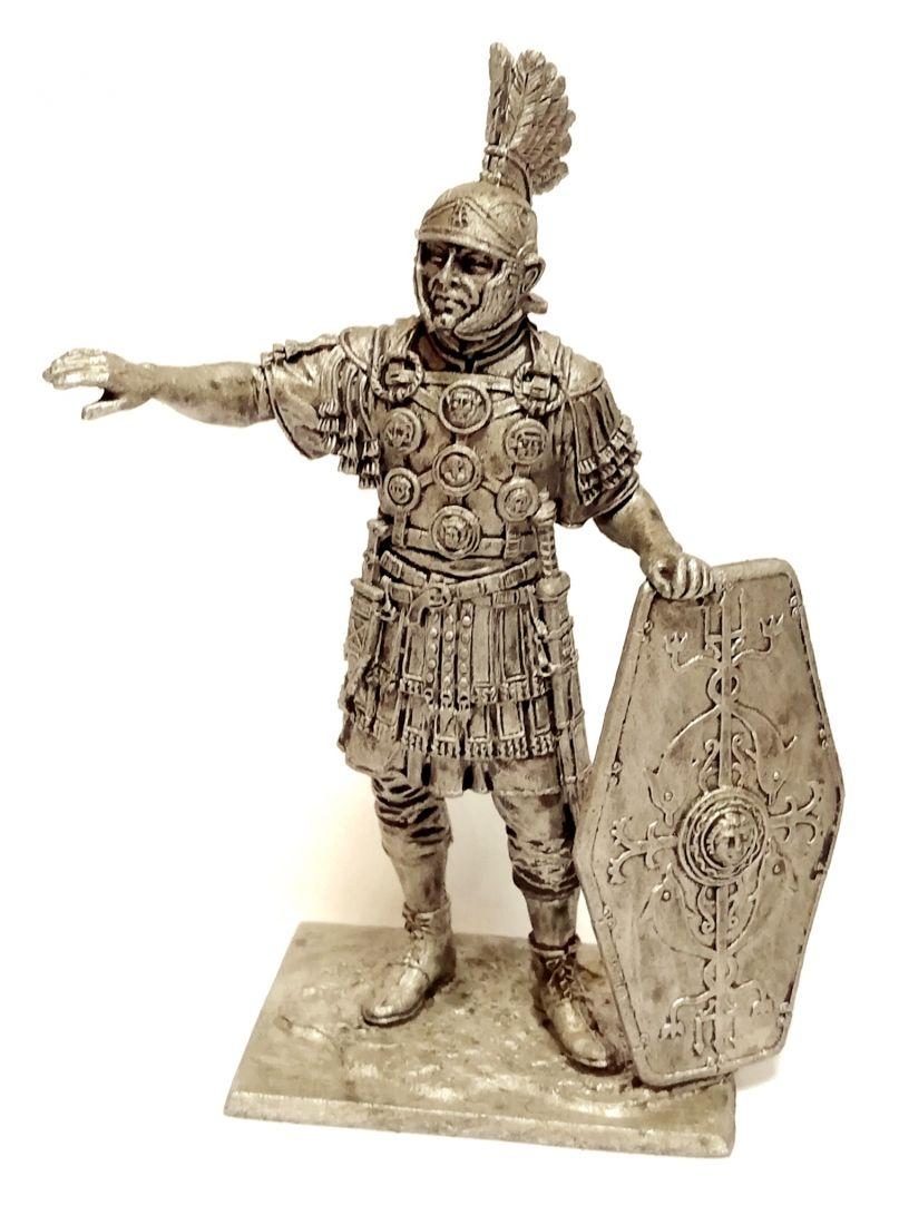 Фигурка  Офицер 2 вспомогательного легиона. Рим 1-2 в. н.э. олово