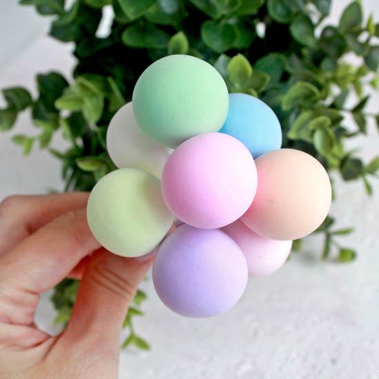 Аксессуар для куклы - Связка воздушных шаров в пастельных тонах