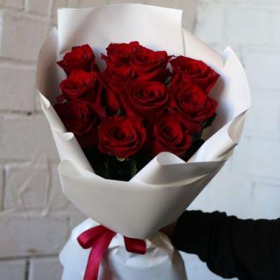 Букет из 11 роз Эквадор в светлой упаковке