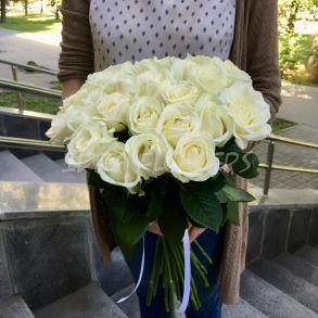 Белые розы Аваланч
