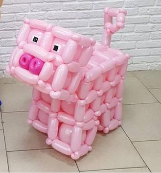 Фигура из воздушных шаров Свинка Майнкрафт