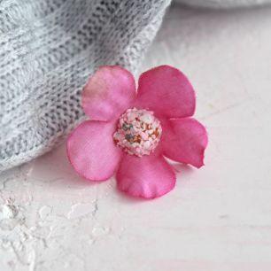 Цветок тканевый Незабудка ярко-розовая 2 см.