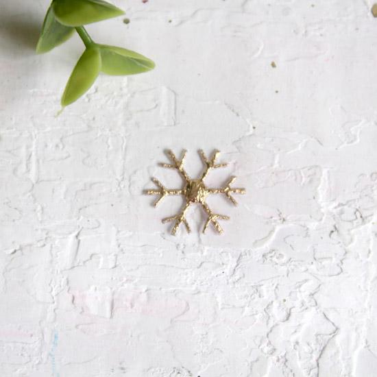 Патч снежинка золотая 1,7 см.