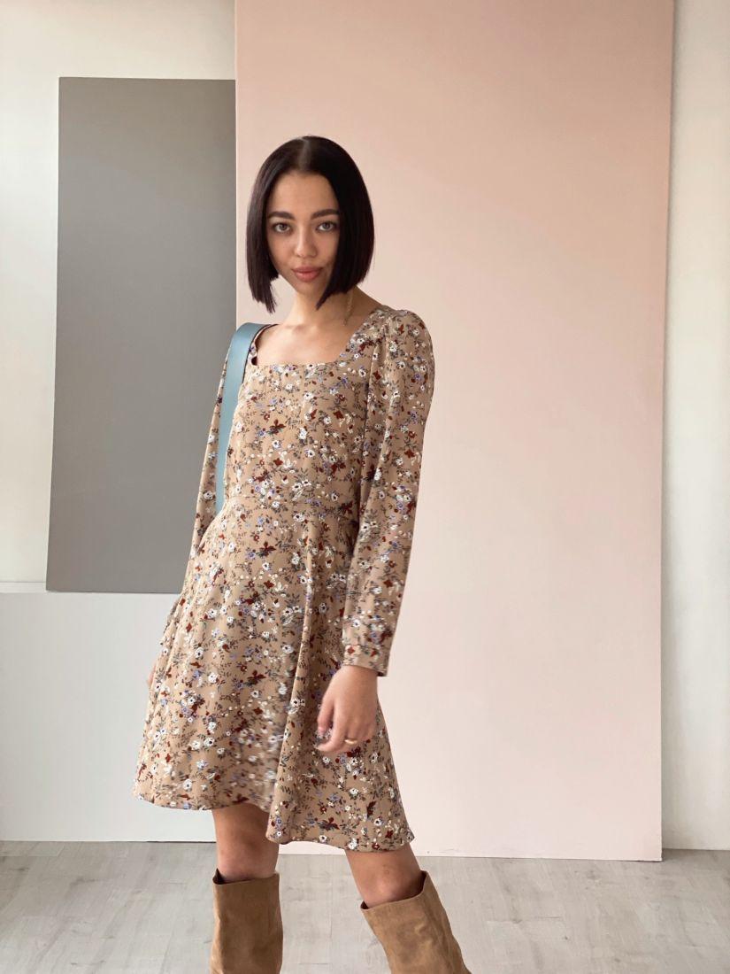 4531 Платье с вырезом каре кофейное с цветочками