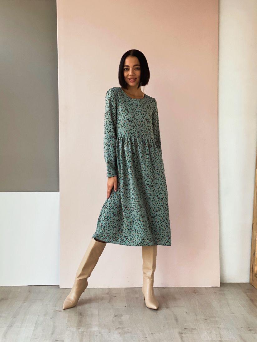 4533 Платье фисташковое с минималистичным принтом