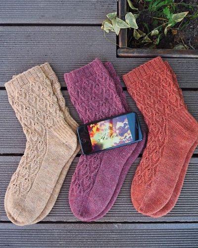 Женственные носки «Linden Socks» (Юля Вяжувий)
