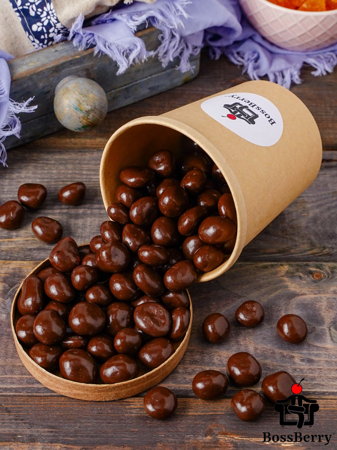 Вишня в молочной шоколадной глазури