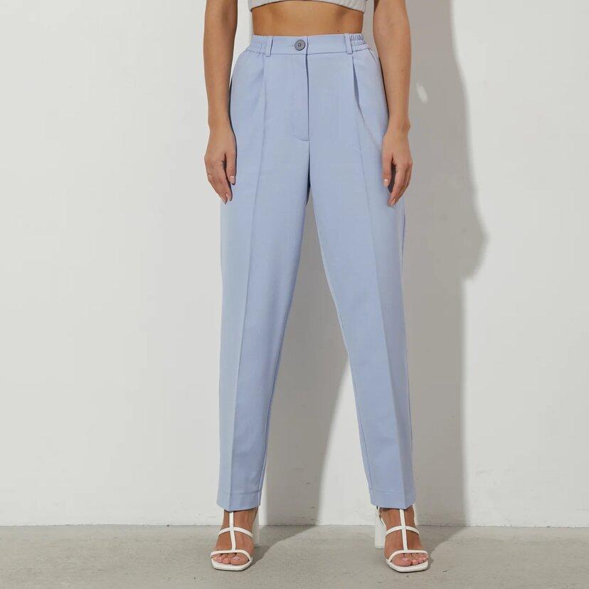 Классические брюки в голубом цвете