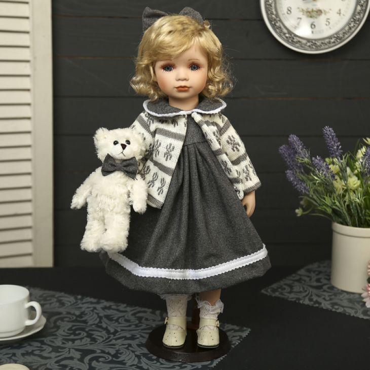 Кукла Ириша с медвежонком