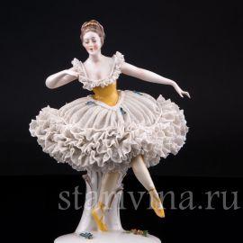 Танцующая девушка, кружевная, Ackermann & Fritze, Германия, до 1945 г.