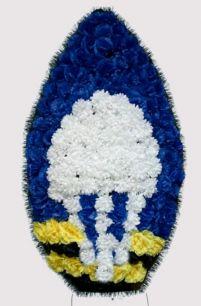 Фото - Венок ВДВ на возложение #5 синие и белые гвоздики