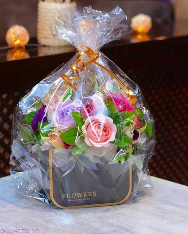 Букет из конфет 25 цветов в коробке в виде сумочки
