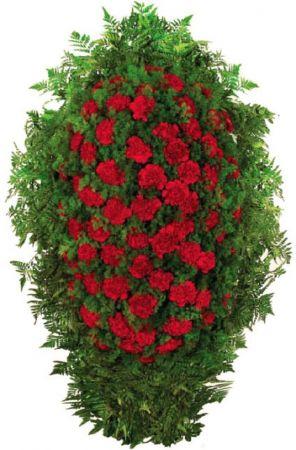Фото Венок на похороны из живых цветов #13 красные гвоздики и аспарагус