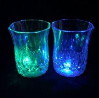 Мерцающая рюмка Light-up Liquid Activated Glass, 70 мл, 1 шт