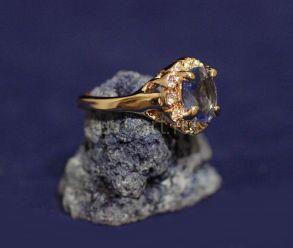"""Позолоченное кольцо """"Диана"""" с искусственным топазом (арт. 880159)"""