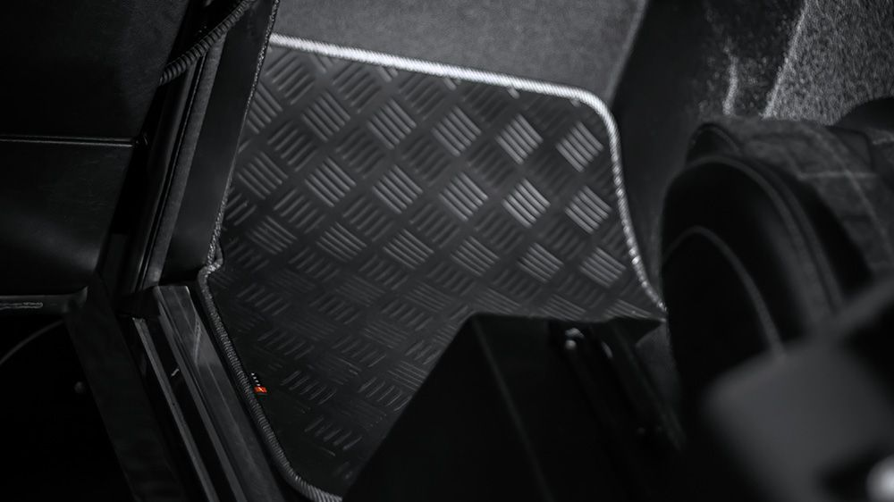 Износостойкие резиновые коврики (Land Rover Defender 90)