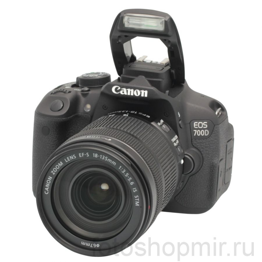 Canon EOS 700D Kit 18-135 IS STM