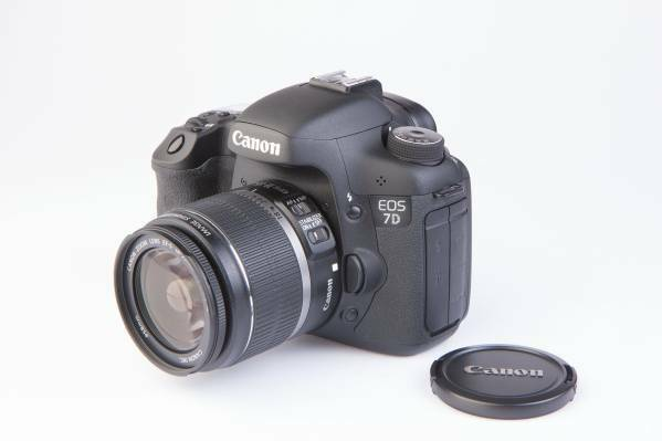 Canon EOS 7d Kit 18-55mm f/3.5-5.6 IS