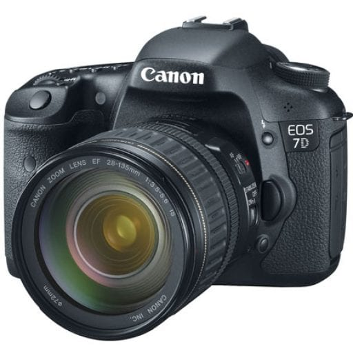 Canon EOS 7D Kit (EF 28-135mm f/3.5-5.6 IS USM)