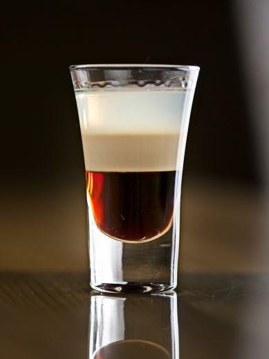 Б-52 коктейль- десертный кофе в зернах
