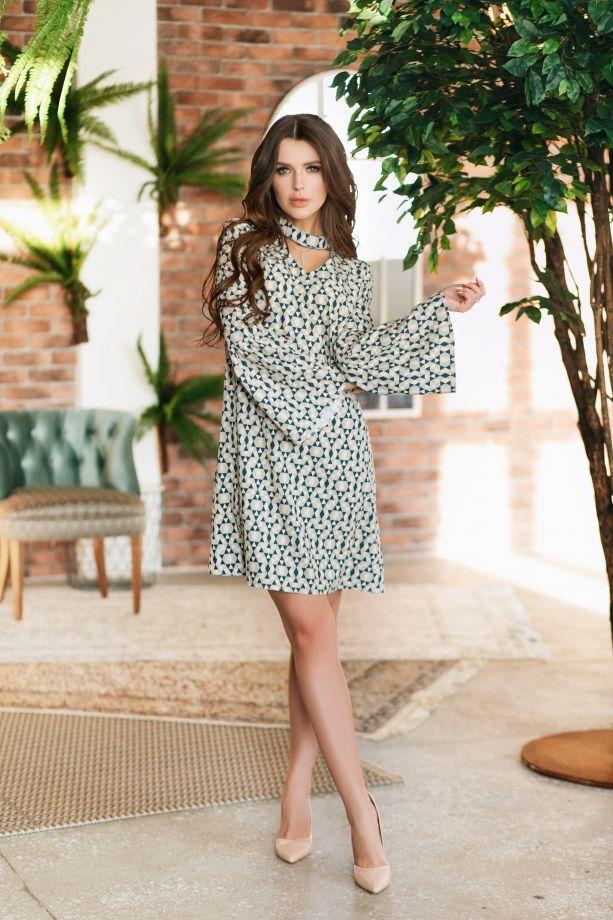 1056. Платье